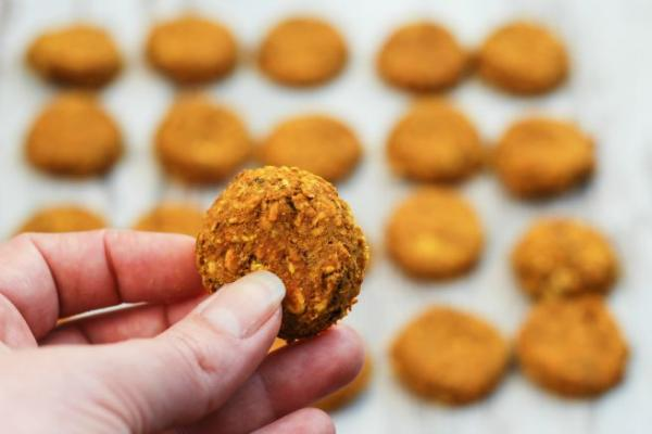 Recept: Gurmanski piškotki s kurkumo in ribami