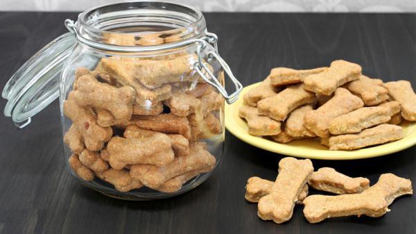 Recept: ovseni piškoti s korenčkom in lososom